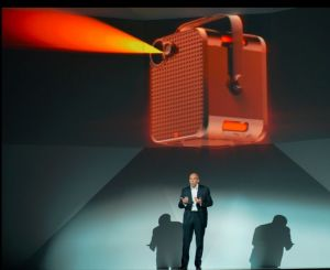 """Le Bloc"" a new Wi-Fi connected audio/video projector device from Orange"